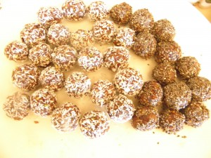 chocolate and pistachio fruit balls for Christmas food gifts